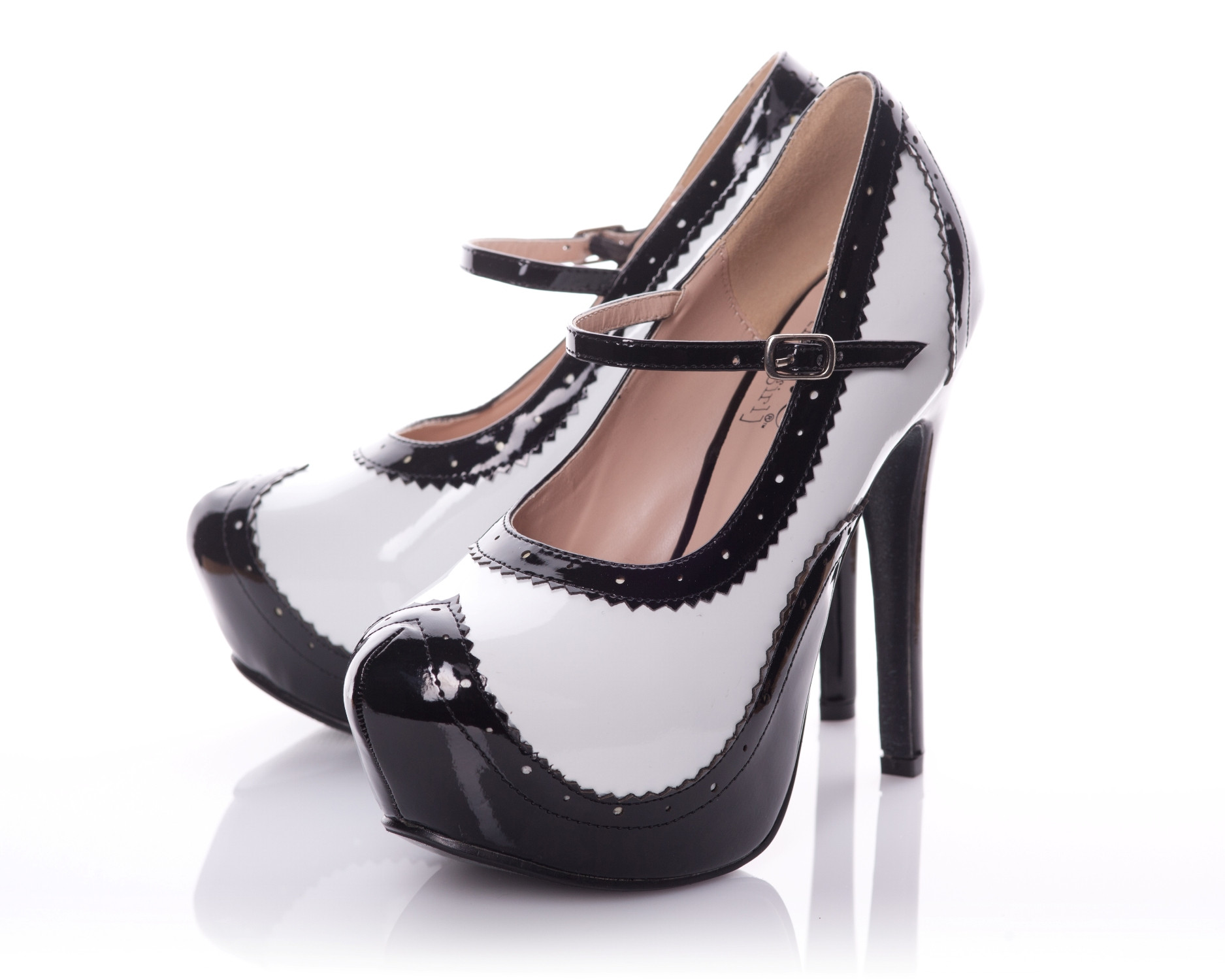 Patent Rounded Toe Platform Pump In Black With White Contrast