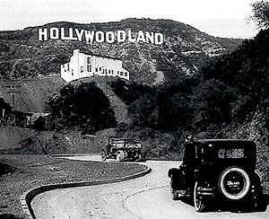 hollywoodland-sign1